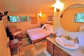 洗面台のある寝室_[0].jpg